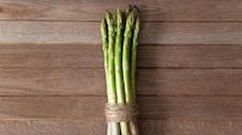 This is why eating asparagus makes your wee smell