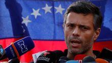 El opositor venezolano Leopoldo López llega a Madrid y Caracas acusa a España de complicidad