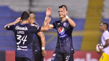 Motagua le gana al Universidad y alcanza al Marathón en la cima del fútbol en Honduras