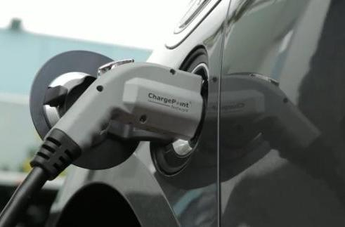 Smug alert: Google says it has largest corporate EV charging network in the US (video)