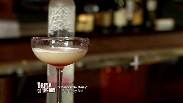 How to Make a Chamomile Daisy Cocktail
