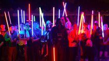 Voo para Flórida e bonecos de R$ 15 mil: as loucuras de fãs de 'Star Wars'