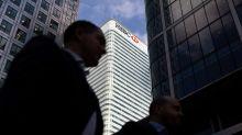 HSBC paga 70% menos en bonificaciones a empleadas de Reino Unido