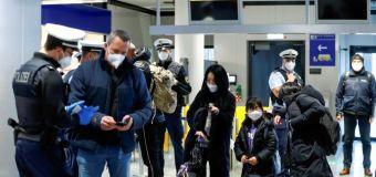 DATOS-Aplicaciones de salud y certificados de vacunación salen al rescate del turismo