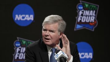 Emmert, NCAA execs take pay cuts amid outbreak