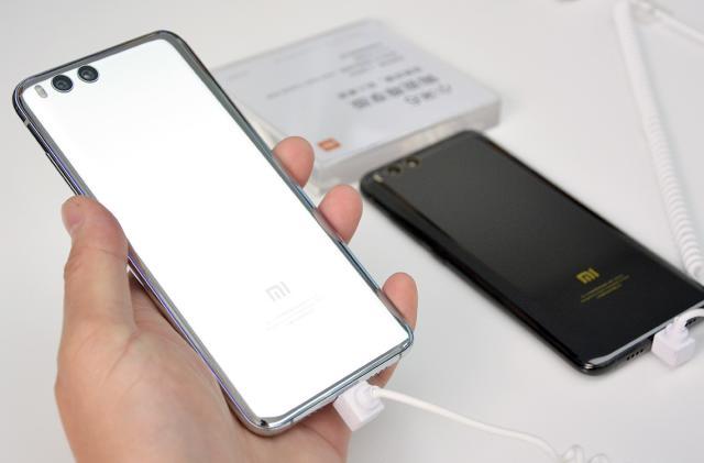 Xiaomi Mi 6 mimics the iPhone's camera tricks without the bump