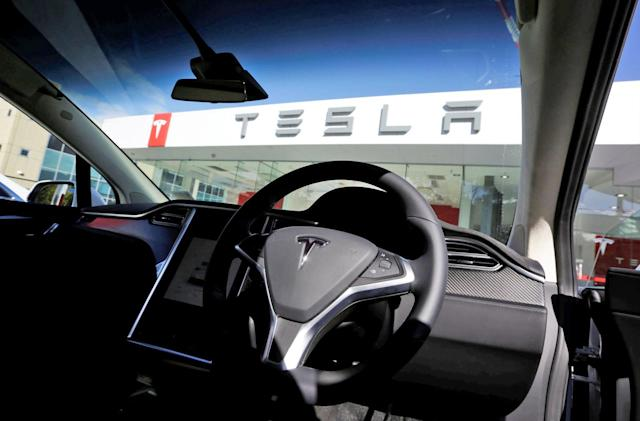 Tesla is reportedly trying to build its own music streaming service