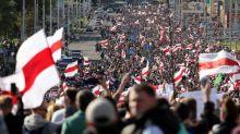 Biélorussie : des dizaines de milliers de manifestants à Minsk, près de 250 arrestations