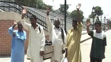Pakistan releases 5 Indian prisoners
