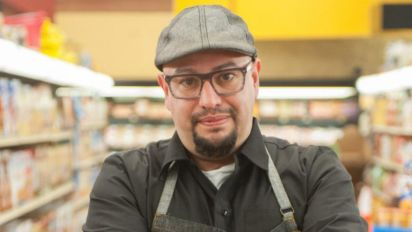 Carl Ruiz, Food Network chef, dies at 44