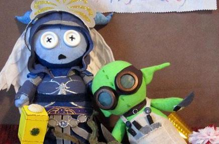 Button-eyed Warcraft dolls created by Layla Rei