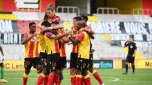 Foot - L1 - Ligue1: Lens bat Saint-Etienne réduit à neuf et prend une deuxième place provisoire