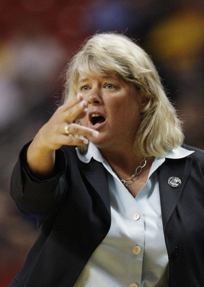 Ex-UTSA coach Rae Rippetoe-Blair killed in crash