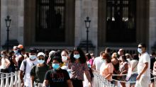 Francia aumentará los controles policiales para asegurar el uso de la mascarilla