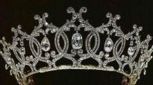 El misterio de la tiara millonaria desaparecida en la familia de Isabel II