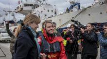 Británica rescatada en el Océano llega a tierra chilena