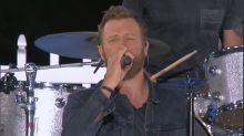 Dierks Bentley performs his hit song 'Black' live on 'GMA'