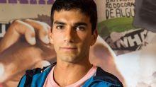 Hugo Moura lamenta vida pessoal exposta e revela vontade em desistir da carreira de ator: 'Não é nada fácil'