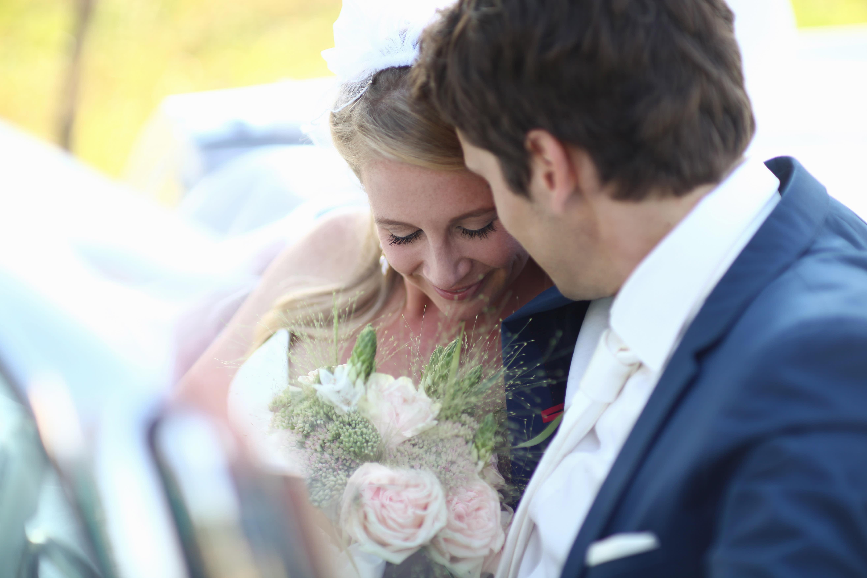 55 Jahre später: Braut trägt Hochzeitskleid ihrer Oma