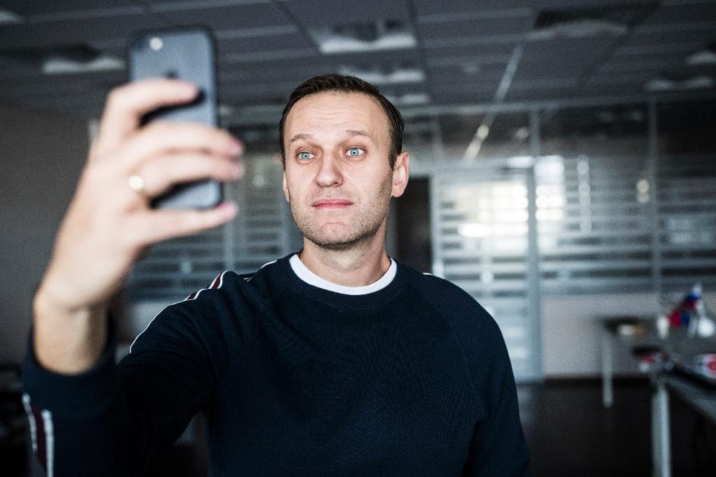 Russian opposition chief Navalny says released from jail
