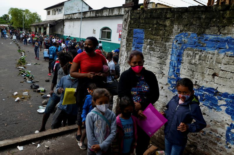 Hundreds of migrants depart southern Mexico in caravan to protest slow  asylum process