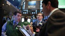 S&P 500 cai pressionado por setor de tecnologia, 3M impulsiona Dow