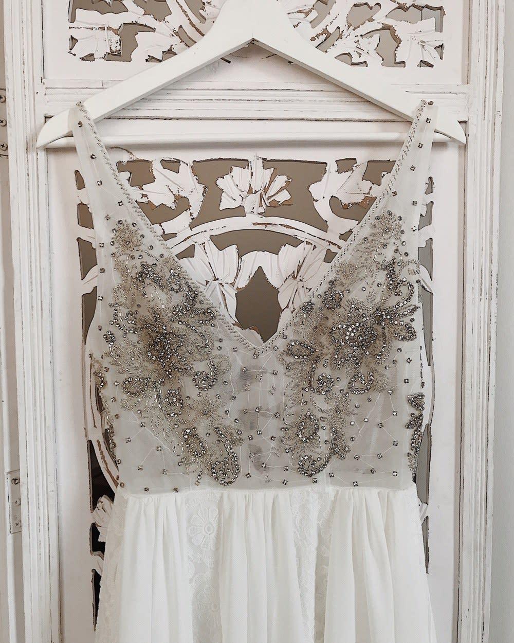ad005e8ebd16b The Best Wedding Dress Shops on Etsy