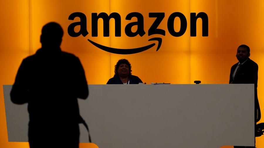 Amazon's Echo Show 5 puts Alexa on your nightstand