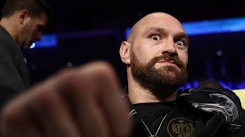 Tyson Fury calls out Santa with funny Instagram post