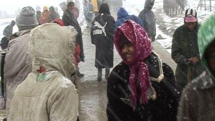 Fresh snowfall in Valley mesmerizes tourists