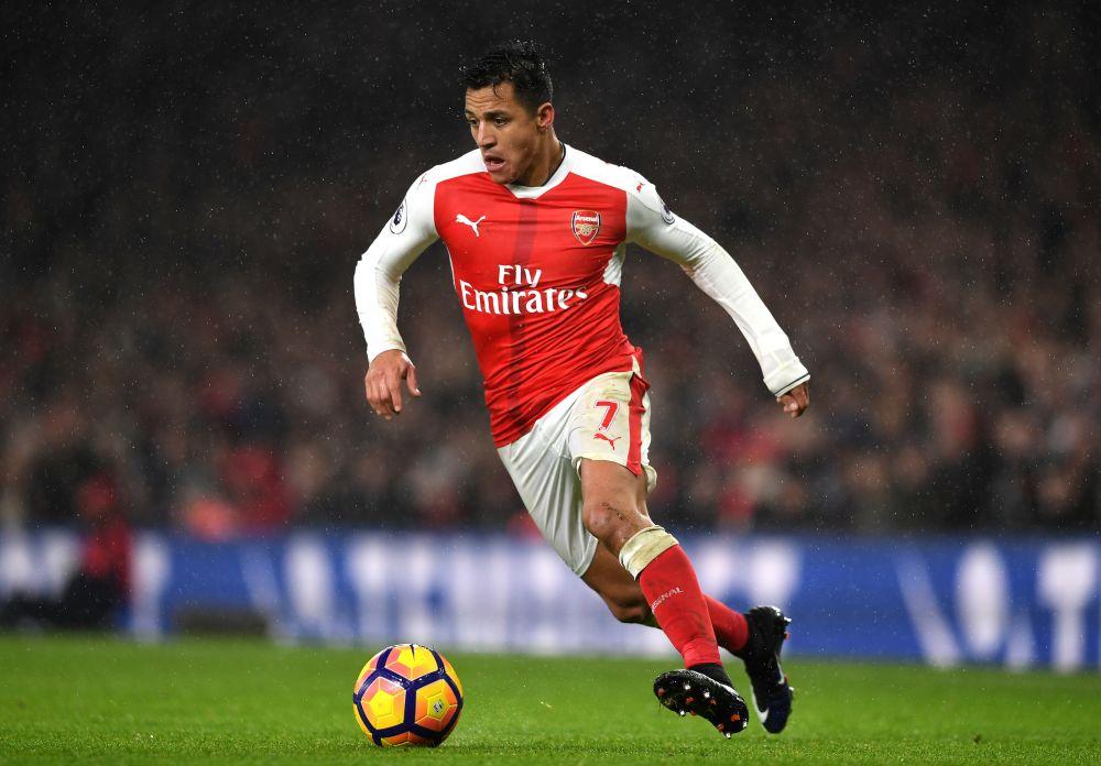Alexis tendría acercamiento con el PSG