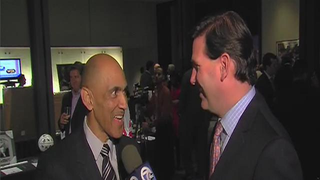 Tony Dungy gets inducted into Michigan Sports Hall of Fame