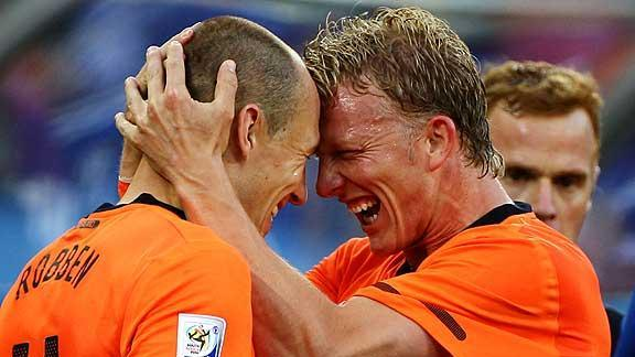 Robben Returns, Scores in Dutch Win