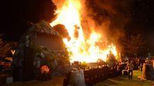 """Gigantisches King-Kong-Modell geht bei der Premiere von """"Skull Island"""" in Vietnam in Flammen auf"""