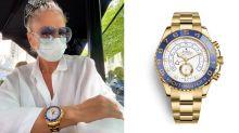 Adriane Galisteu viaja para Portugal e exibe relógio de R$ 250 mil