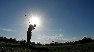 Nackte Caddys: Riesige Empörung vor Golf-Turnier