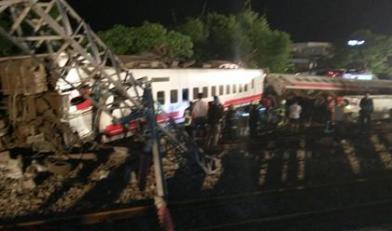 普悠瑪出軌翻車 17死逾百傷
