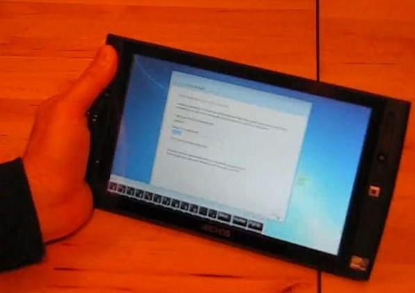 Archos 9 tablet and its Windows 7 Starter Edition unboxed (video)