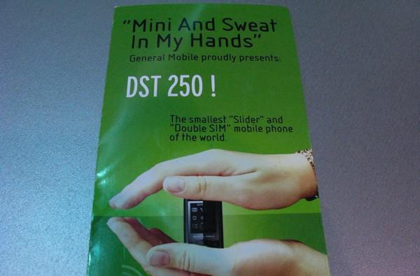 "General Mobile: ""Mini And Sweat In My Hands"""