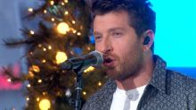 Brett Eldredge performs 'The Long Way' live on 'GMA'