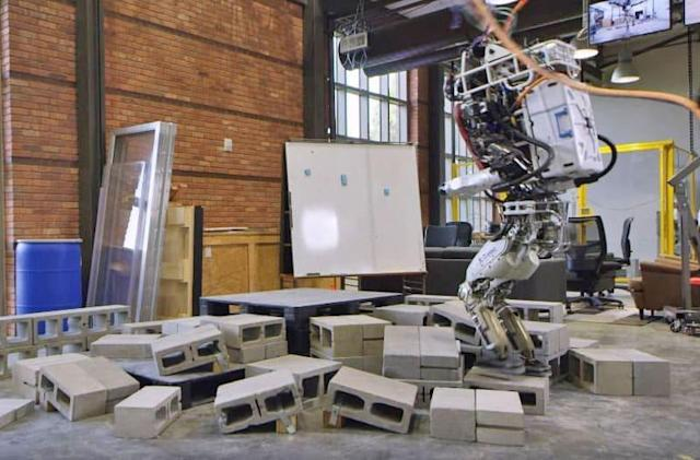 IHMC's Atlas robot can navigate its own way through tight spaces