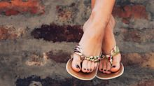 7 pair of podiatrist-approved flip flops that actually support your feet