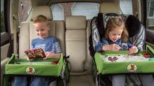 Mit diesem reduzierten Maltisch vergehen Reisen für Kinder wie im Flug