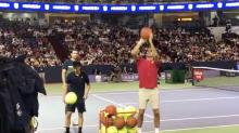 VÍDEO   Federer demuestra una clase espectacular... jugando al baloncesto