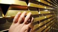 'Smart money' buying gold again?