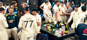 Ashes rivals in stunning dressing room moment