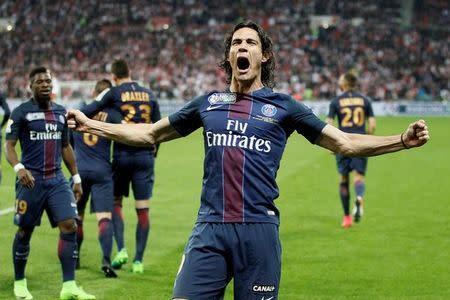 Cavani comemora gol do Paris Saint Germain contra o Monaco