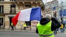 Macron Pressed on All Sides to End Crisis With a Grand Gesture