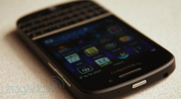 BlackBerry Q10 available for pre-order on Verizon, $200 with a two-year contract