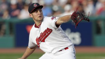Bauer sues trainer for using him in YouTube clips